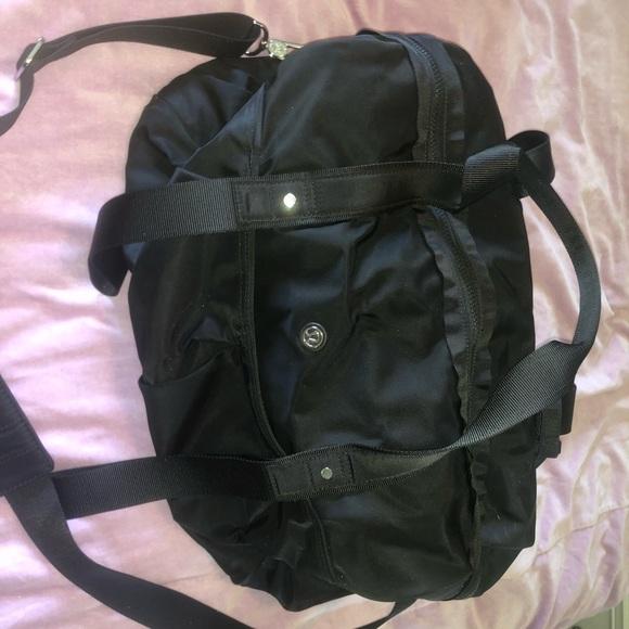 lululemon athletica Handbags - Lululemon Weekend Duffel